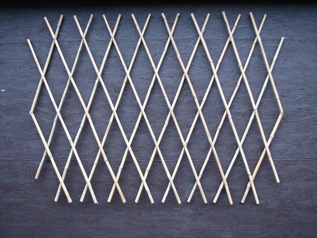 rankhilfe rankgitter aus bambus trelli bambus trelli rankgitter sichtschutz natur. Black Bedroom Furniture Sets. Home Design Ideas