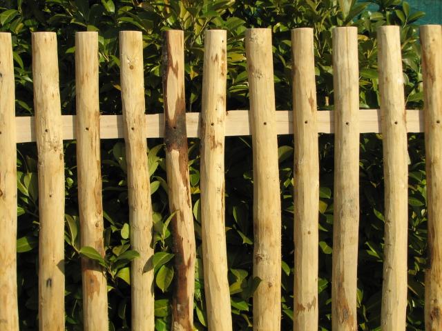 lattenzaun 125 cm h 180 cm l za 6 8 cm naturzaun aus kastanienholz lattenzaun 125 cm. Black Bedroom Furniture Sets. Home Design Ideas